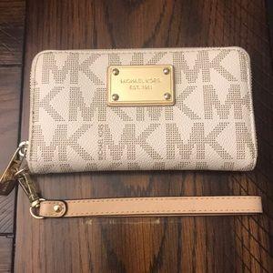 Michael Kors Wallet Wristlet